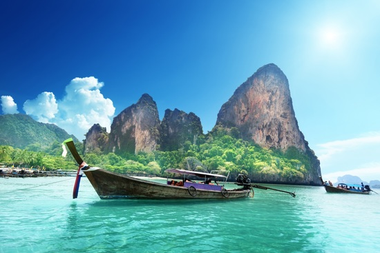 Railay Beach is flanked by some impressive limestone cliffs