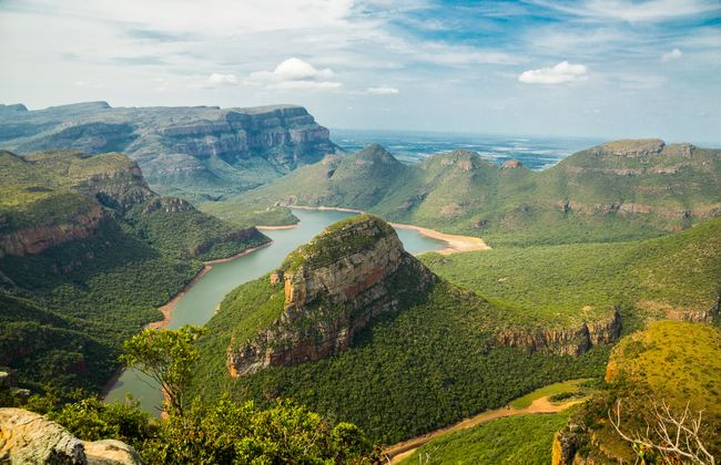 Greenery and lake in South Africa wilderness